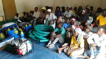 Agricultores do norte de Moçambique recebem equipamento e sementes através de projeto promovido pela ADPM