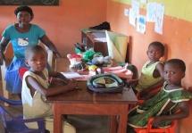 Escolinhas do ensino pré-escolar criam oportunidades para crianças Moçambicanas